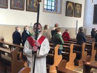 kreuz-in-der-kirche
